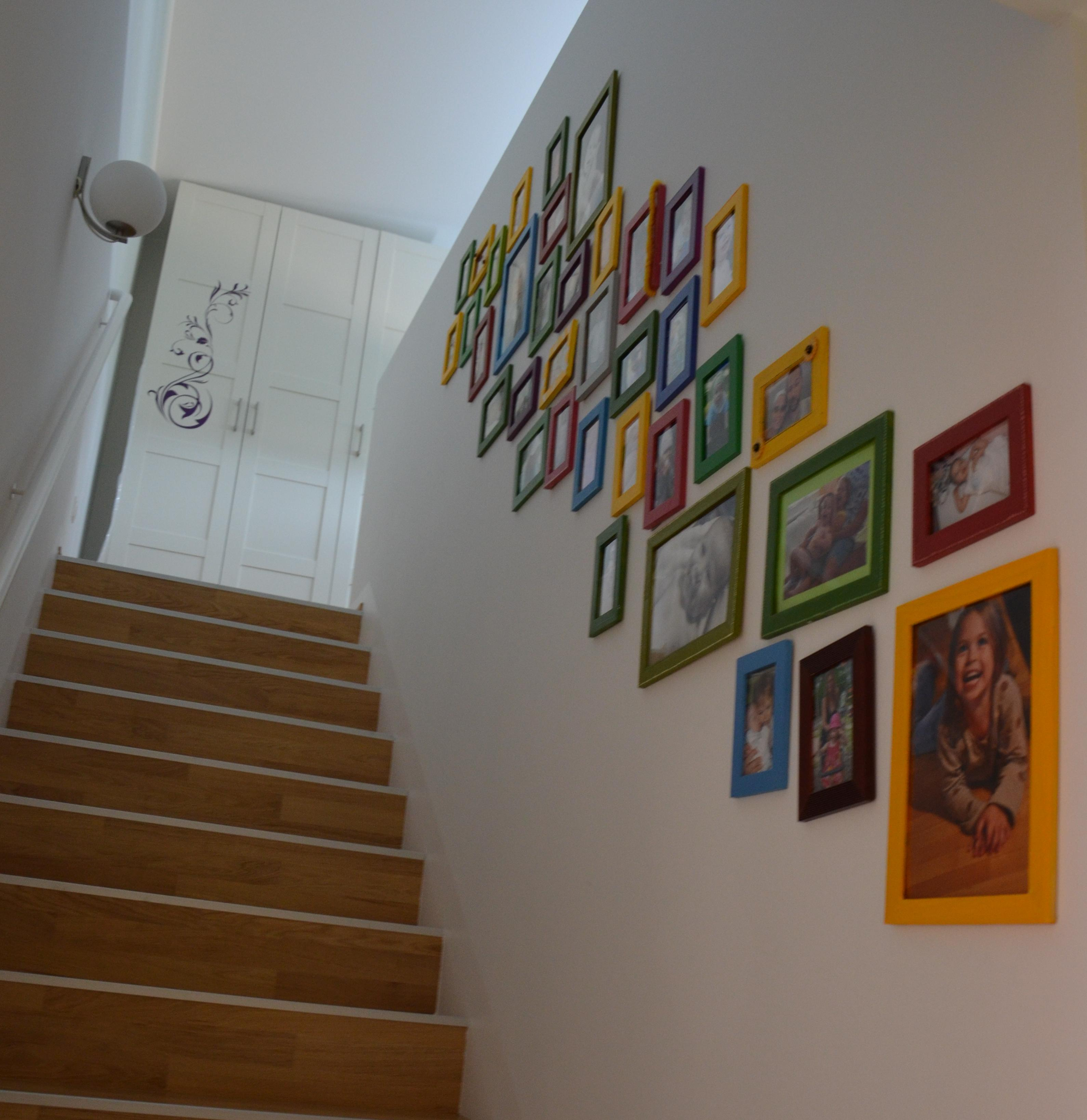 wie gestaltet man eine wand mit mustertapete codedojo for. Black Bedroom Furniture Sets. Home Design Ideas