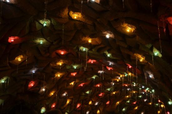 Grottenbahn-Decke