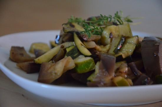 Zucchini-Melanzani-Salat-1